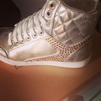 recensioni-sneaker-laura-biagiotti-shoeadvisor